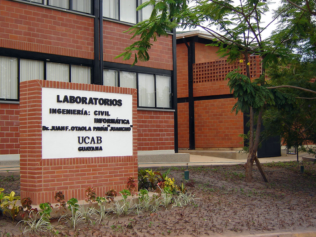 2007-Laboratorios de Ingeniería Civil e Informática
